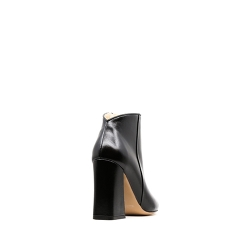 Black Leather Boots With Flared Heel Ginissima