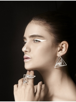 Threegonomy triangle silver earrings JADA
