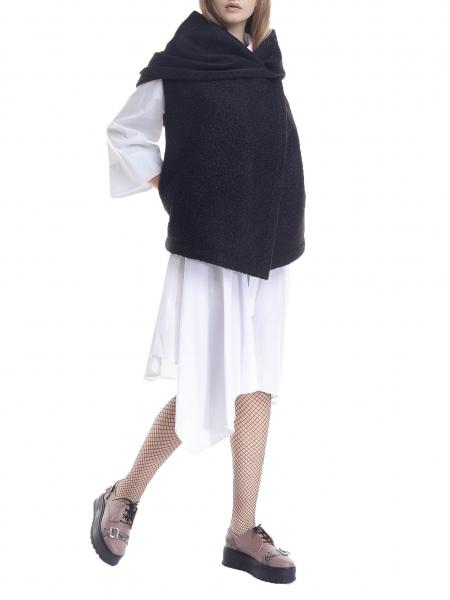 Black vest with oversized hood Larisa Dragna