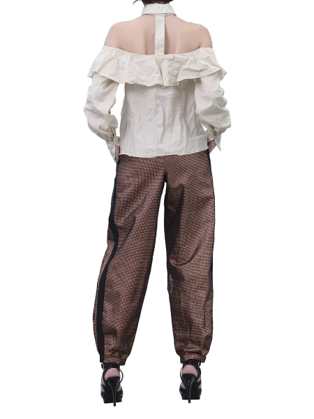Pantaloni cu croiala relaxata