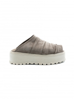 Grey suede slides Roll Meekee