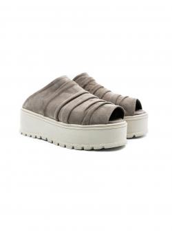 Papuci gri din piele intoarsa cu platforma Roll Meekee