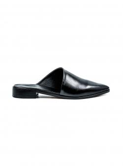 Papuci negri cu croi asimetric Tip Mules Meekee