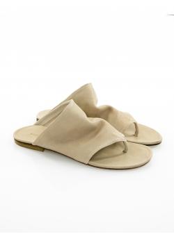 Nude leather sandals V Slides Meekee