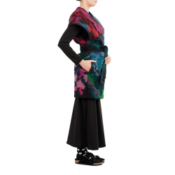 Vesta din lana cu motive traditionale