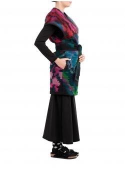 Vesta din lana cu motive traditionale Nicoleta Obis