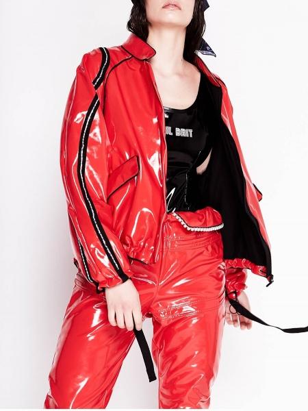 Jacheta rosie din lac cu aplicatii