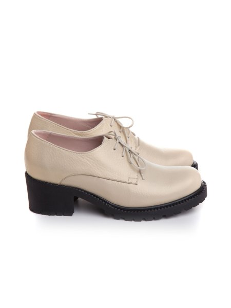 Beige Leather Oxford Shoes With Laces