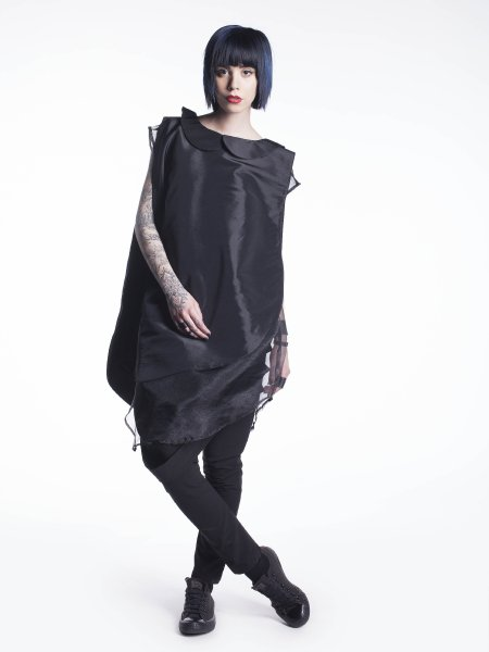 Sleeveless Black Cotton Shirt