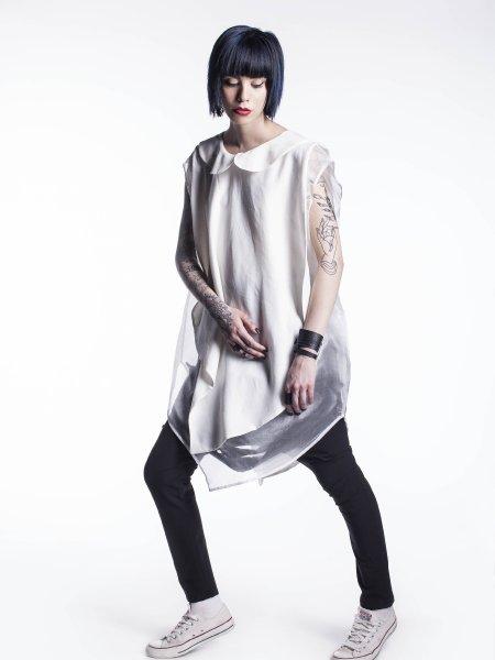 Sleeveless White Cotton Shirt